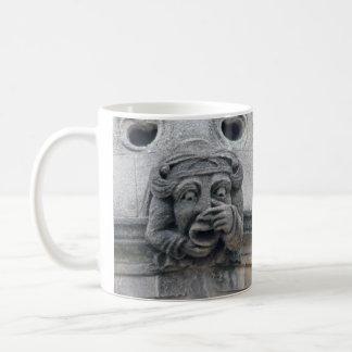 鼻のガーゴイルのマグ コーヒーマグカップ