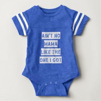 1つが私男の赤ちゃんのワイシャツを持っているようにママはありません ベビーボディスーツ