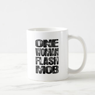 1つの女性の抜け目がない暴徒 コーヒーマグカップ