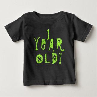 1つの歳の誕生日のかわいいベビーのスカルの石のライム ベビーTシャツ