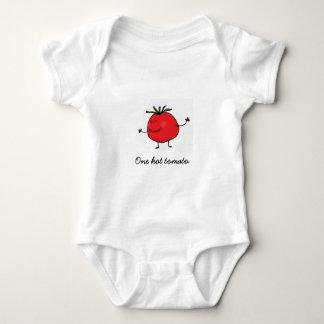 1つの熱いトマトのベビーのボディスーツ ベビーボディスーツ