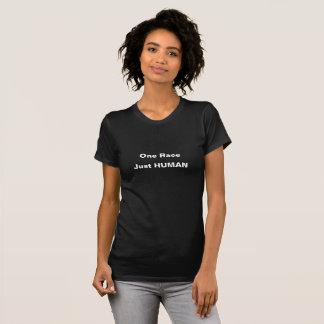 1つの競争。 ちょうど人間。 黒いTシャツ Tシャツ