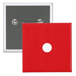 1つの赤いサイコロボタン 5.1CM 正方形バッジ