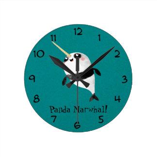 1のNarwhalそしてパンダ ラウンド壁時計