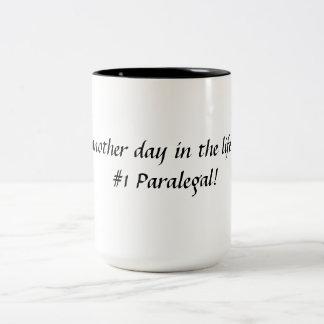 #1パラリーガルの生命のちょうど別の日! ツートーンマグカップ