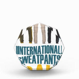 1月21日- Sweatpants国際的な日 表彰盾
