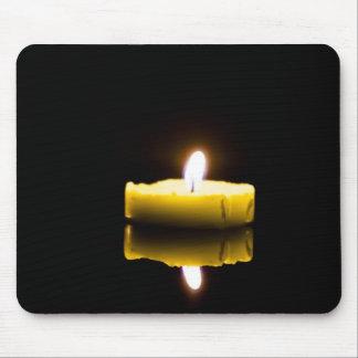 1本の蝋燭 マウスパッド