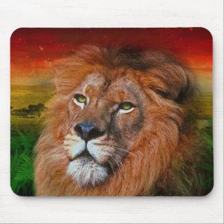 1頭の愛ライオンII -マウスパッド マウスパッド