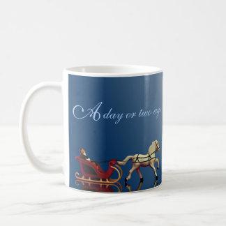 1馬の開いたそりのクリスマス コーヒーマグカップ