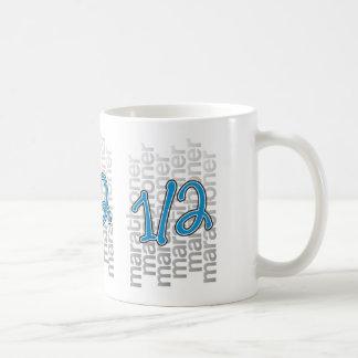 13.1半分のマラソン選手 コーヒーマグカップ