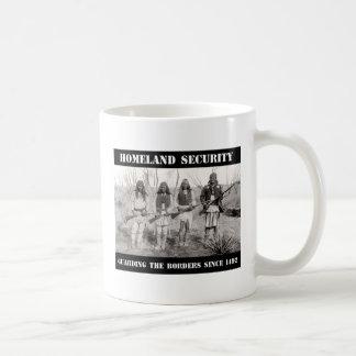 1492年以来のボーダーを守る自国の保安 コーヒーマグカップ