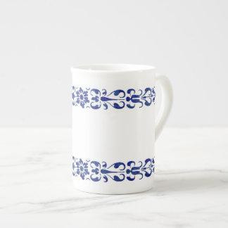 16世紀なローマの青い装飾用のデザイン ボーンチャイナカップ