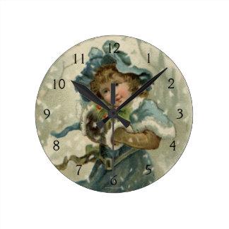 1871年頃: 雪の若い女の子 ラウンド壁時計