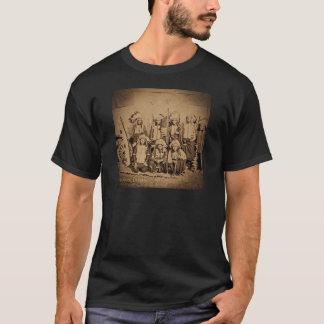 1895年のバッファローのビル野生の西ショーのスー族の責任者 Tシャツ
