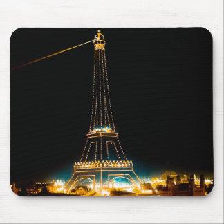 1900年のパリ博覧会で照らされるエッフェル塔 マウスパッド