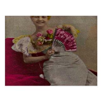 1900年代からの微笑の女性 ポストカード