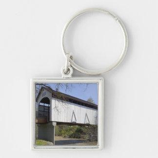 1922年に造られるカモシカの入り江の屋根付橋 キーホルダー