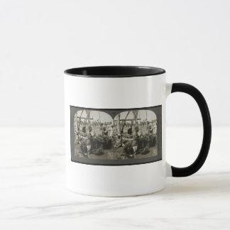 1928年頃エジプトのナイルからの持ち上がる水 マグカップ