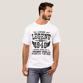 1948の伝説が決して死なないので生きている伝説 Tシャツ