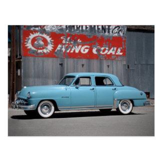 1951年のDeSotoカスタムでクラシックな車の郵便はがき 葉書き