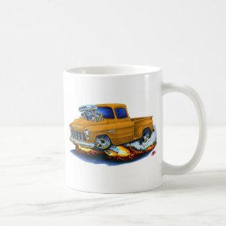 1955年のChevy Stepsideの積み込みのオレンジのトラック コーヒーマグカップ