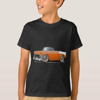 1956年のChevy Belairのオレンジ白のコンバーチブル Tシャツ