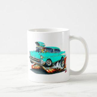 1957年のChevy Belairのターコイズ車 コーヒーマグカップ