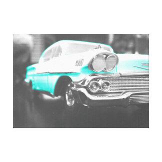 1958 chevyインパラの明るい青 キャンバスプリント