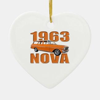 1963オレンジのchevy II新星のlongroofワゴン セラミックオーナメント