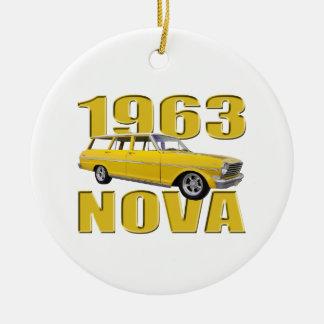 1963黄色い新星のchevy II longroofワゴン セラミックオーナメント