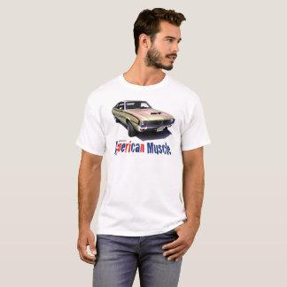 """1970年のAMCの投げ槍の""""アメリカ筋肉"""" Tシャツ"""