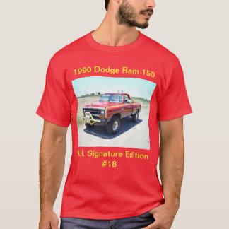 1990年のごまかしのラム150の棒ホールの署名の版#18 Tシャツ