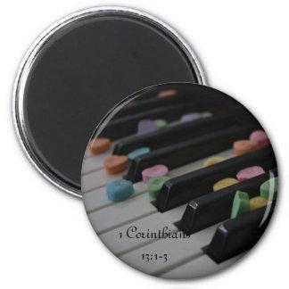 1 Corinthiansの13:1 -キーボードの3つのキャンデーのハート マグネット