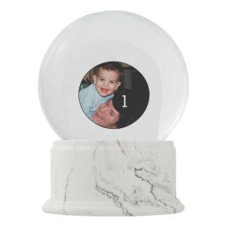 2つのイメージのためのあなた自身の白い写真の表示を設計して下さい スノーグローブ