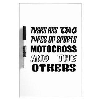 2つのタイプのスポーツのモトクロスおよび他があります ホワイトボード