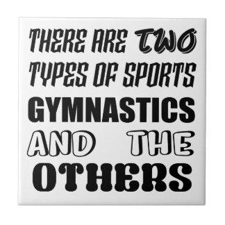 2つのタイプのスポーツの体操および他があります タイル