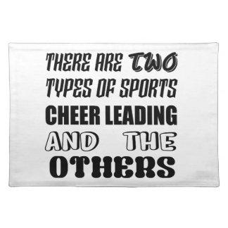 2つのタイプのスポーツの応援の導くことおよびotがあります ランチョンマット
