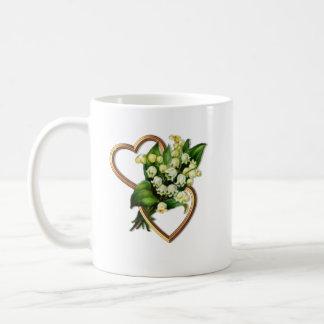 2つのハートが付いている谷のユリ コーヒーマグカップ