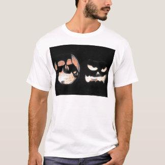 2つの白熱[赤熱]光を放つなジャックOランタン Tシャツ