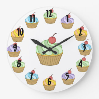 2つの調子のカップケーキ ラージ壁時計