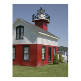 2の近くのダグラスの灯台によって移される海岸 ポストカード