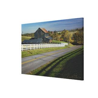 2のBluegrassの地域による田園道 キャンバスプリント