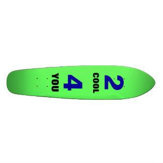 2カッコいい4スケートボードをします スケートボード