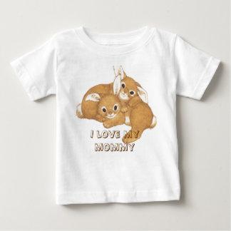 2バニー、私は私のお母さんを愛します ベビーTシャツ