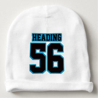 2側面の帽子の白く黒く青いフットボールジャージー ベビービーニー