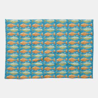2匹のむらがある魚 キッチンタオル