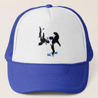 2匹のよくはしゃぐなシャチの帽子 キャップ