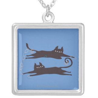 2匹の猫の遊ぶこと シルバープレートネックレス