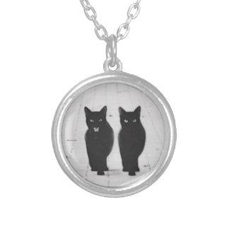 2匹の黒猫のネックレス シルバープレートネックレス