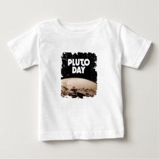 2月第18 -プルート日-感謝日 ベビーTシャツ